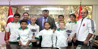 Sporculardan Başkan Sındır'a Teşekkür