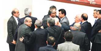 Mecliste Öcalan Kavgası