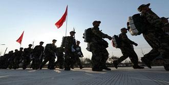 Çin de Sınıra Asker Gönderiyor