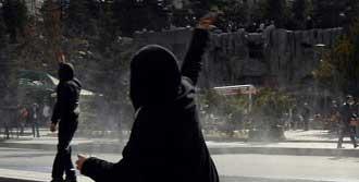 'Polise Taş'a 10 Ay Hapis'