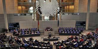 Milletvekilleri de Tepki Gösterdi