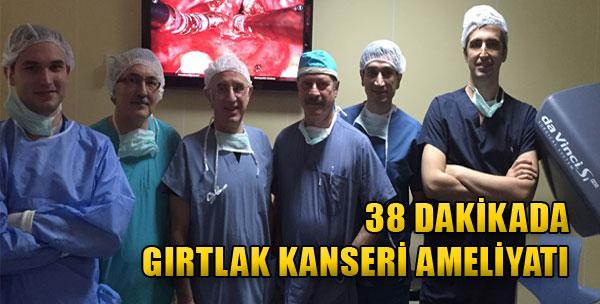 38 Dakikada Gırtlak Kanseri Ameliyatı