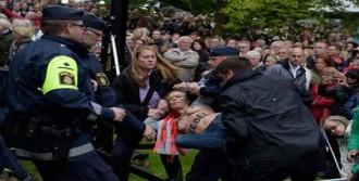 Femen'den Protesto