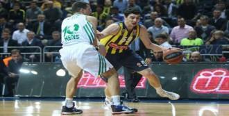 Fenerbahçe'de 'İlk Galibiyet' Sevinci