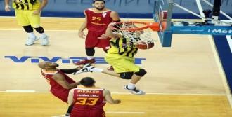 Fenerbahçe'den Galatasaray'a 18 Sayılık Fark