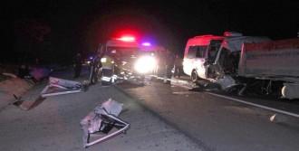Maç Dönüşü Kaza: 1 Ölü, 19 Yaralı