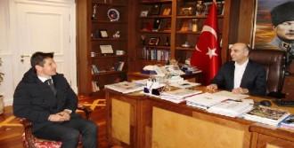 Emre'den Belediye Başkanına Ziyaret