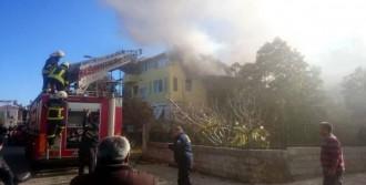 Fethiye'de 3 Katlı Binada Yangın