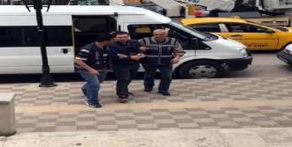 Fetö'cü 2 Akademisyen Kaçarken Yakalandı