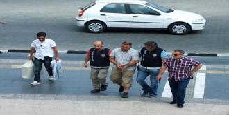 Gözaltına Alınan Sivil Memur Serbest Bırakıldı
