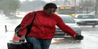 Fırtına Ve Yağış Bursa'yı Felç Etti