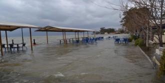 Fırtına, Köyceğiz'de Hayatı Felç Etti
