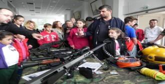 Foça'da Askeri Üs Sivillere Açıldı