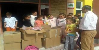 Foça'da Okullara Kırtasiye Yardımı