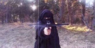 Fransa Kadın Teröristi Arıyor