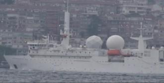 Fransız Gemisi Boğaz'dan Geçti