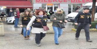 Fuhuş Şüphelisi 11 Kadın Adliyede