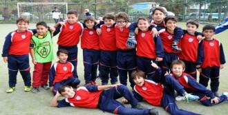 Futbolcu Çocukların Rakibi Velileri Oldu