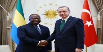 Gabon Cumhurbaşkanı Ondimba Resmi Törenle Karşılandı