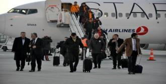 Galatasaray'a Kastamonu'da Çiçekli Karşılama