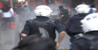 Galatasaray'da Eylemcilere Polis Müdahalesi