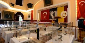 Galatasaray'da Oylar Sayılıyor