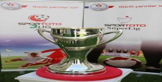 GS'nin Kupası Görücüye Çıktı
