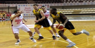 Gaziantep Basketbol-Kb Peja: 74-56