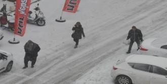 Gaziantep'te Kar, Hayatı Olumsuz Etkiliyor