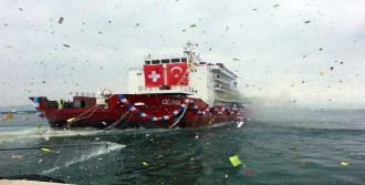 Otel Gemi Denize İndirildi