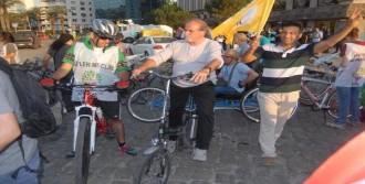 İzmir'de Protesto Eylemi
