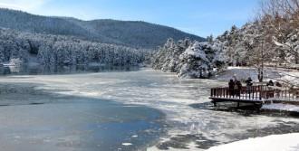 Gölcük'te Kar Üzerinde Mangal Keyfi