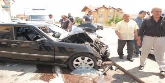 Gölcük'te Kaza: 5 Yaralı