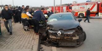 Gölcük'te trafik kazası: 4 yaralı