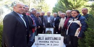Ali Artuner Mezarının Başında Anıldı