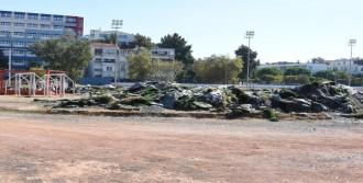 Göztepe Stadı Çevresini Hareketlendirdi