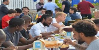 Göztepe'ye Moral Yemeği