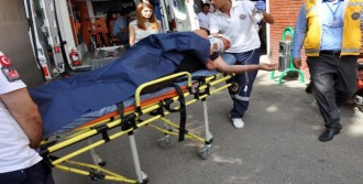 Hafif Ticari Araç, Motosiklet Ve Bisiklete Çarptı: 3 Yaralı