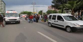 Hafif Ticari Aracın Çarptığı Yaya Yaralandı