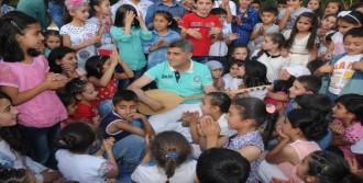 200 Çocuğa Evinde İftar Verdi