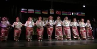 Halk Dansları Kaynaştırdı