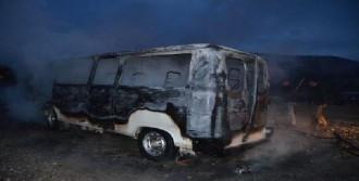 Manisa'da Öğrenci Servisi Yandı