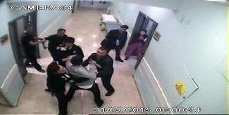 Hastane Görevlilerine Bıçakla Saldırdı