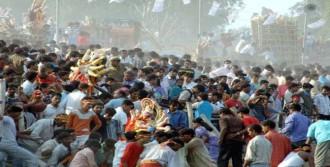 Hindistan'da Facia: 40 Ölü, 90 Yaralı