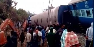 Hindistan'da Tren Kazasında 27 Ölü