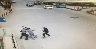 Güvenlik Görevlisini Döverek Öldürdü