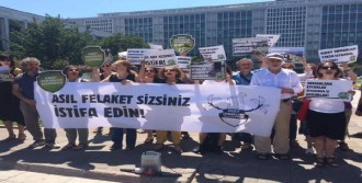 İBB Önünde Sel Felaketi Protestosu