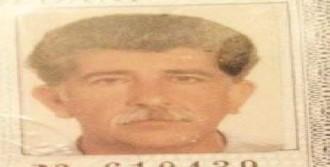 İçki Sofrasında Arkadaşını Baltayla Öldürdü