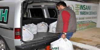 İHH'den Kobanili Ailelere Gıda Yardımı