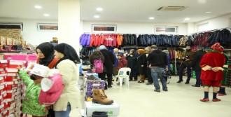 Çocuklara Kışlık Kıyafet Yardımı